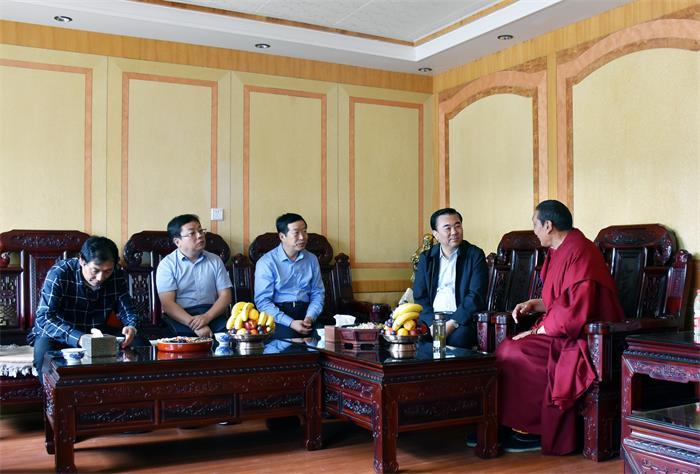 马廷礼在甘南调研时强调  以脱贫攻坚实绩促进民族地区经济发展